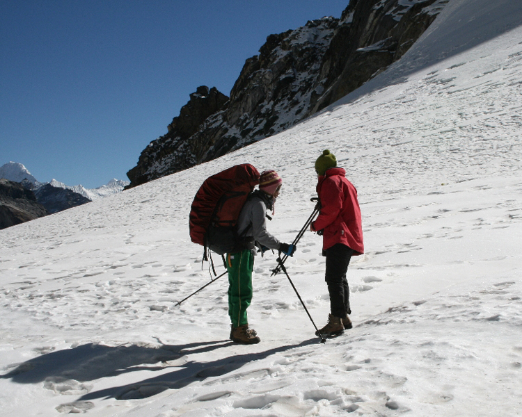 Chola Pass Trekking